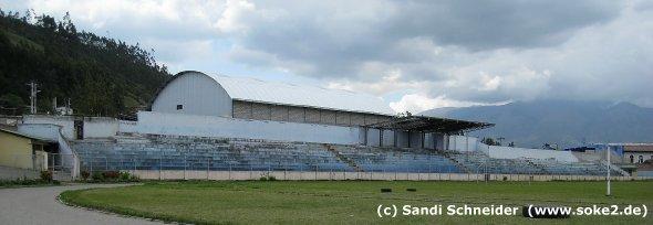 sandi_091115_ground_otavalo,estadio-olimpico-municipal-el-batan_www.soke2.de002