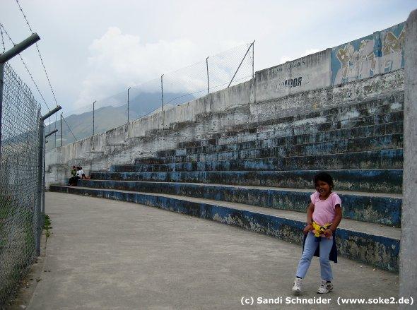 sandi_091115_ground_otavalo,estadio-olimpico-municipal-el-batan_www.soke2.de005