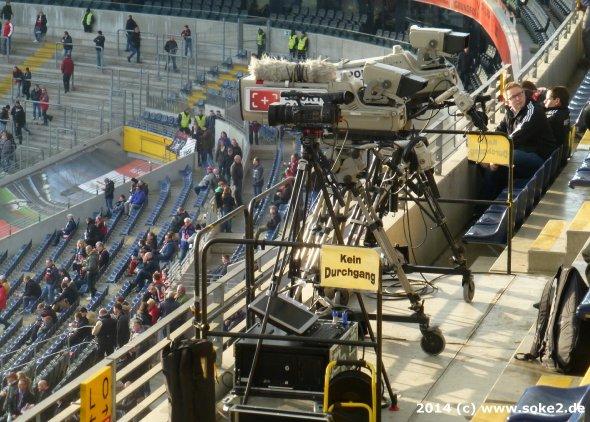140302_frankfurt,waldstadion_cba_soke2.de006