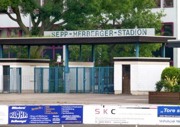 140923_weinheim,sepp-herberger-stadion_www.soke2.de008