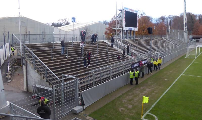 Soke2_181202_vfb-stuttgart-II_U21_Homburg_Regionalliga_2018-2019_P1050939
