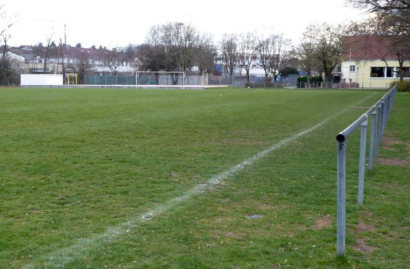 Ground_Soke2_190327_Zizishausen,Sportplatz-auf-der-Insel_Neckar-Fils_P1090631