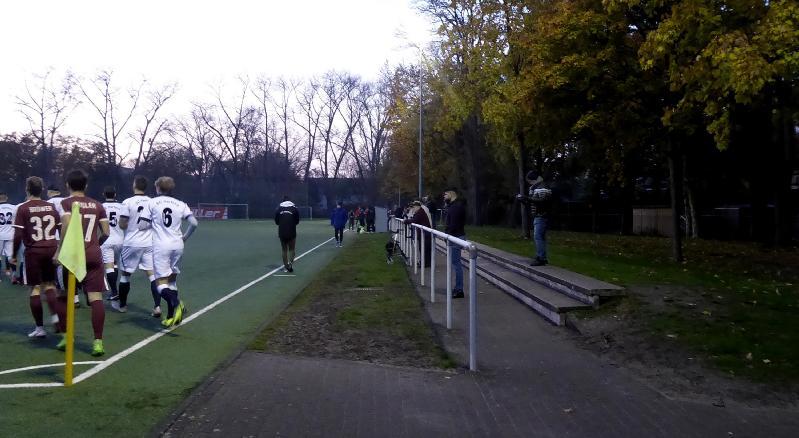 Ground_Soke2_191109_Herford,Kunstrasen-Ludwig-Jahn-Stadion_Wetsfalen_P1200310