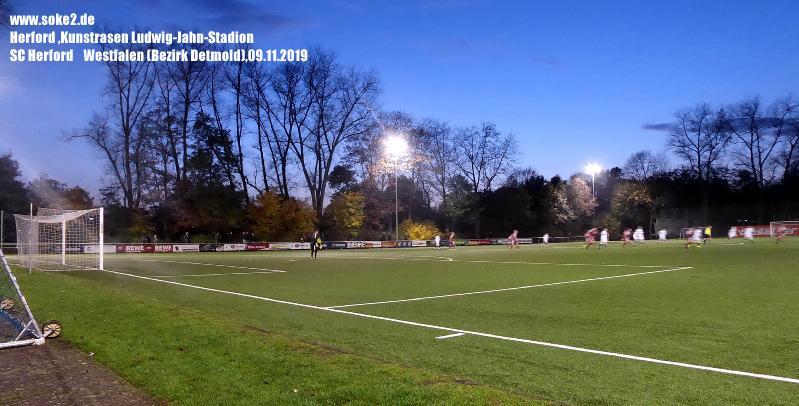 Ground_Soke2_191109_Herford,Kunstrasen-Ludwig-Jahn-Stadion_Wetsfalen_P1200320